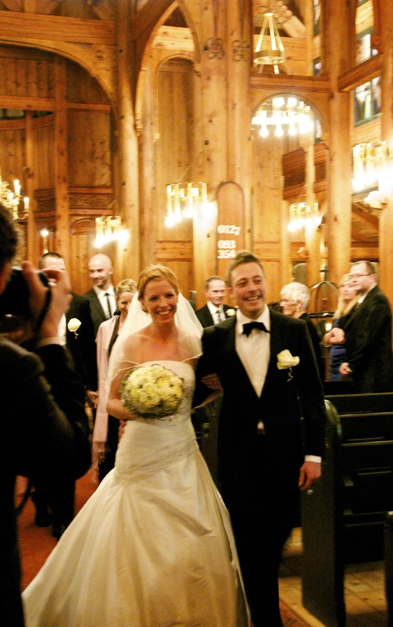 Kristin og Gunnar på kirkegulvet