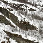 Snøbrett ned renne i Hemsedal